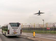 LONDYN ANGLIA, WRZESIEŃ, - 25, 2017: British Airways linie lotnicze Boeing 747 G-CIVJ bierze daleko w Londyńskim Heathrow zawody  Zdjęcie Royalty Free