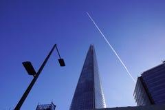 LONDYN, APR - 20: Czerepu budynek przy zmierzchem obrazującym na Kwietniu 20th, 2017, w Londyn Czerep otwierający społeczeństwo Obraz Stock