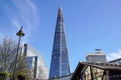LONDYN, APR - 20: Czerepu budynek przy zmierzchem obrazującym na Kwietniu 20th, 2017, w Londyn Czerep otwierający społeczeństwo Obrazy Stock