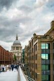 LONDYN, LIPIEC - 27: St Pauls katedra w Londyn na Lipu 27, 2017 Zdjęcia Stock