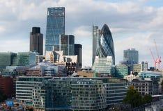 LONDYN, miasto Londyński widok, nowożytni budynki biura, banki i korporacyjne firmy, obrazy royalty free