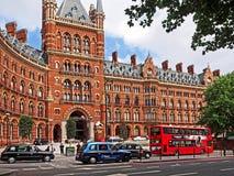 Londyn, St. Pancras staci kolejowej hotel Obrazy Royalty Free