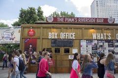 LONDYN, UK - CZERWIEC 21 2014: Southbank Centre, kasa teatralna Obraz Royalty Free