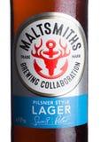 LONDYN, UK - CZERWIEC 01, 2018: Zimna butelka Maltsmiths lager piwo na bielu Fotografia Stock