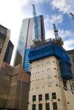 LONDYN, UK - KWIECIEŃ 24, 2014: Plac budowy z żurawiami w mieście Londyn jeden wiodący centres globalny finanse Zdjęcie Stock