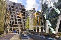 LONDYN, UK - KWIECIEŃ 24, 2014: Plac budowy z żurawiami w mieście Londyn jeden wiodący centres globalny finanse Obraz Stock