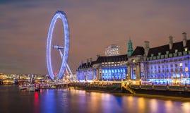 Londyn UK linia horyzontu w wieczór, Londyński oko Zdjęcia Royalty Free