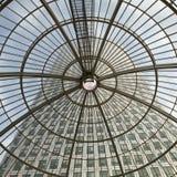 LONDYN, UK - LIPIEC 3, 2014: Nowożytna szklana architektura kanarek W Zdjęcie Stock