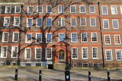 LONDYN, UK - MARZEC 9, 2014: Zewnętrznie widok legalne sala w królewiątko ławki spacerze obrazy stock
