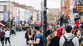 Londyn, UK - 2nd Kwiecień, 2017: Camden kędziorka most który jest f Obraz Stock
