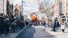 Londyn, UK - 2nd Kwiecień, 2017: Camden kędziorka wioska, sławny alt Fotografia Stock
