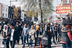 Londyn, UK - 2nd Kwiecień, 2017: Camden kędziorka wioska, sławny alt Zdjęcie Royalty Free