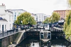 Londyn, UK - 2nd Kwiecień, 2017: Camden kędziorka wioska, sławny alt Zdjęcia Stock