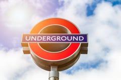 Londyn, UK - 2nd Kwiecień, 2017: Londyński metro znak z bl Zdjęcia Stock