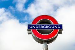 Londyn, UK - 2nd Kwiecień, 2017: Londyński metro znak z bl Obrazy Royalty Free