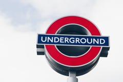 Londyn, UK - 2nd Kwiecień, 2017: Londyński metro znak z bl Fotografia Stock