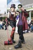 LONDYN, UK - PAŹDZIERNIK 26: Cosplayers ubierał jako steampunk versi Obrazy Royalty Free