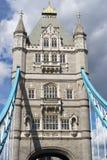 LONDYN, UK - SIERPIEŃ 22: Basztowy most w Londyn na Sierpień 22, 20 Obrazy Royalty Free