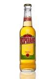 LONDYN, UK - STYCZEŃ 02, 2017: Butelka stracenowie piwni na czarnym tle, lager doprawiający z tequila jest popularnym piwnym prod Obrazy Stock
