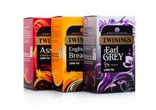 LONDYN, UK - STYCZEŃ 02, 2018: Twinings herbaty pudełka na bielu Twinings zakładał w 1706 w Londyn Obrazy Royalty Free