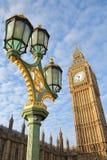 LONDYN, UK: Widok Big Ben i domy parlament od Westminister mosta Zdjęcia Stock