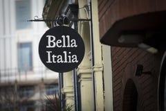 Londyn, Wielki Londyn, Zjednoczone Królestwo, 7th 2018, A znak i logo dla Bella Italia Luty, zdjęcie stock
