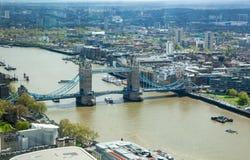 Londyn, wierza Thames, bridżowy i Rzeczny Zdjęcie Stock