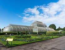 LONDYN, WRZESIEŃ - 7: Palmowy dom przy Kew ogródami na Wrześniu Obraz Stock