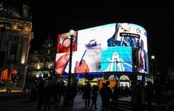 Londyn, Zjednoczone Królestwo/- 03/21/2019: Piccadily cyrk - nowi neons przy nocÄ… zdjęcia stock