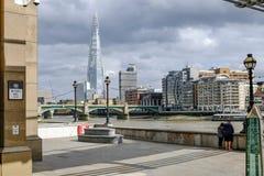 Londyn Zjednoczone Królestwo, Sierpień, - 3, 2017: Widok przez rzekę Fotografia Stock