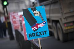 Londyn, Zjednoczone Królestwo, 7th 2019 Luty, Protestacyjny sztandar przeciw opuszczać UE dla peopes i głosuje obrazy royalty free