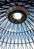 Londyn, Zlany królestwo -: widok korniszonu budynek podczas dnia obraz stock