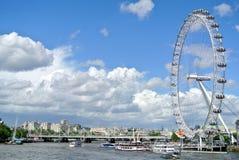 Londyn, Zlany królestwo - widok Londyński oko zdjęcia stock