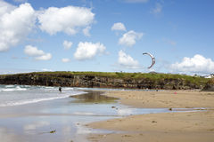 Lone kite surfer getting ready Stock Photography