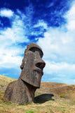 Lone moai i påskön Arkivfoto