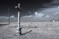Lonely cross Royalty Free Stock Photos