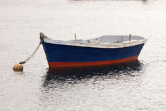 Lonely fishing boat Royalty Free Stock Photography