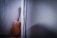 Lonely Guitar Royalty Free Stock Photography
