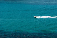 Lonely speed boat. On the ocean outside Koh chang island in Thailand Royalty Free Stock Photos