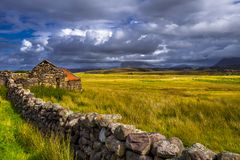 Free Lonesome Farmhouse At The Village Brae Of Achnahaird Near Achnahaird Beach In Scotland Stock Photo - 139858460