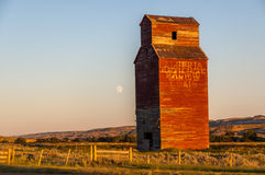 Long abandoned grain elevator Royalty Free Stock Images