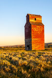 Long abandoned grain elevator Stock Photography
