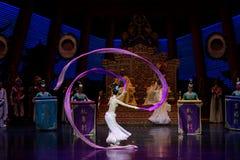 Long acte gainé de la danse de cour 4-The en second lieu : un festin dans le ` en soie de princesse de danse de ` palais-épique d Images stock