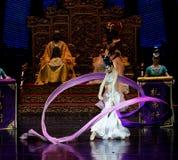 Long acte gainé de la danse de cour 6-The en second lieu : un festin dans le ` en soie de princesse de danse de ` palais-épique d Images libres de droits