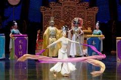 Long acte gainé de la danse de cour 9-The en second lieu : un festin dans le ` en soie de princesse de danse de ` palais-épique d Photographie stock