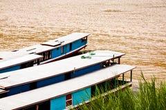 Long bateau. Photos libres de droits