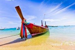 Long bateau coupé la queue en Thaïlande, PHUKET Images libres de droits