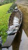 Long bateau suivi Image libre de droits