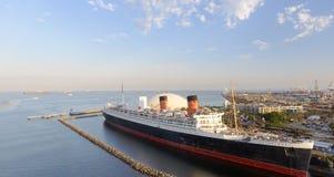 LONG BEACH CA - AUGUSTI 1, 2017: RMS Queen Mary är havet lin Arkivbild