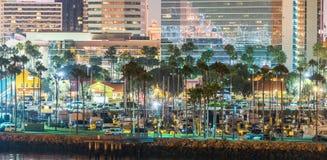 LONG BEACH, CA - 31 DE JULIO DE 2017: Horizonte de la puesta del sol de Queen Mary Imagen de archivo libre de regalías